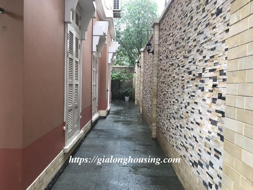 Fully furnished villa in T block Ciputra for rent today 4
