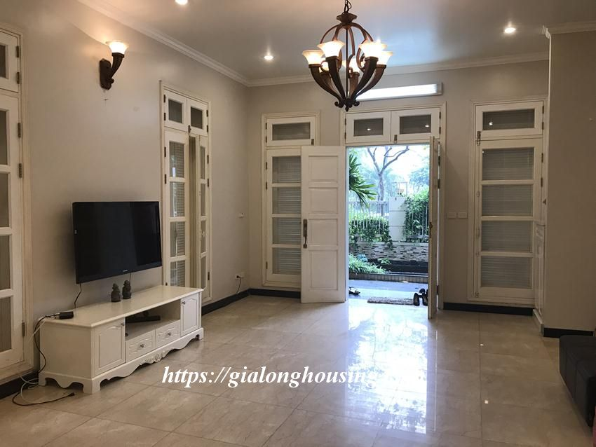 Fully furnished villa in T block Ciputra for rent today 9