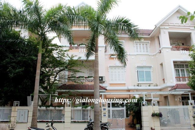 Villa with full of furniture in T block of Ciputra, $2000 1