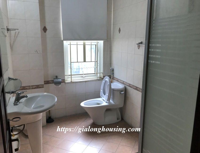 3 bedroom house in lane 31 Xuan Dieu for rent 15