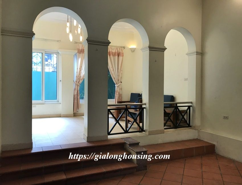 3 bedroom house in lane 31 Xuan Dieu for rent 2