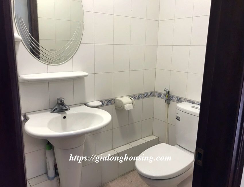 3 bedroom house in lane 31 Xuan Dieu for rent 3