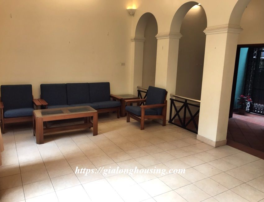3 bedroom house in lane 31 Xuan Dieu for rent 8