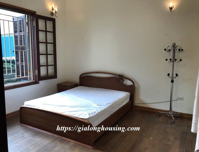 3 bedroom house in lane 31 Xuan Dieu for rent 1