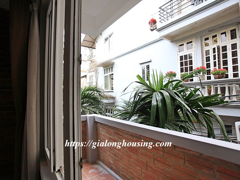 Bright serviced apartment at the quiet alley of Tay Ho road 11