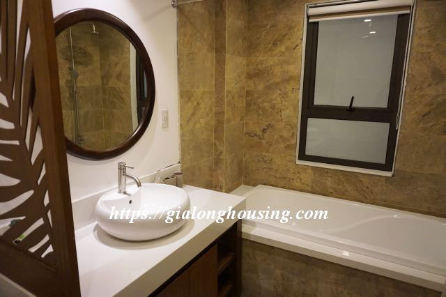 Brand new serviced apartment in Truong Han Sieu for rent 14