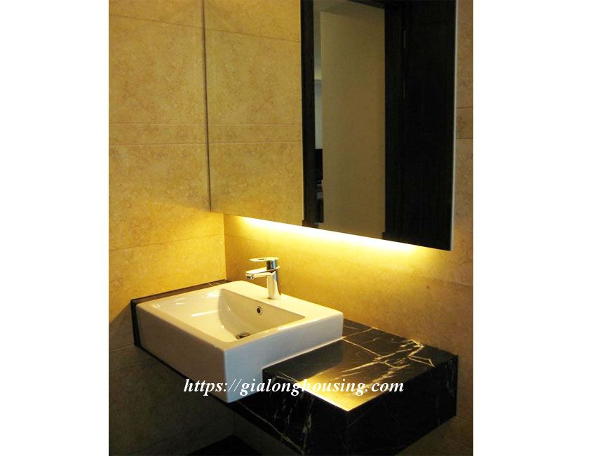 2 bedroom apartment in Hoang Thanh Tower for rent 15