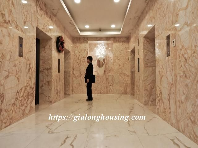 2 bedroom apartment in Hoang Thanh Tower for rent 3