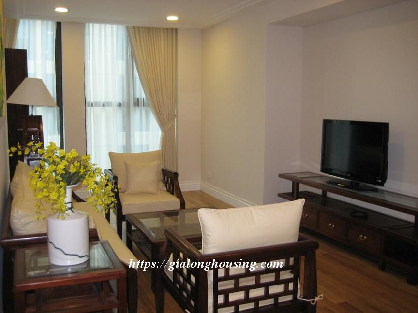 2 bedroom apartment in Hoang Thanh Tower for rent 9