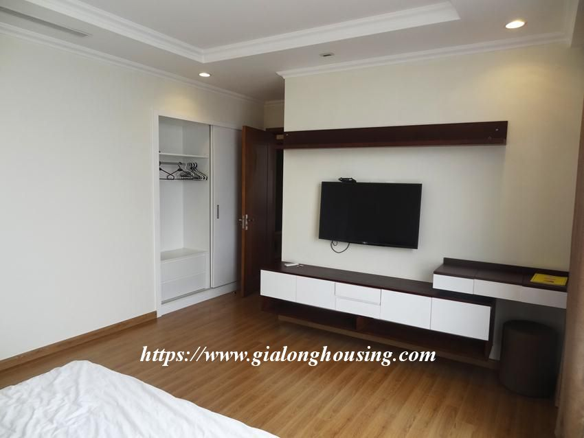 3 bedroom bed apartment in Vinhomes, near Lotte for rent 12