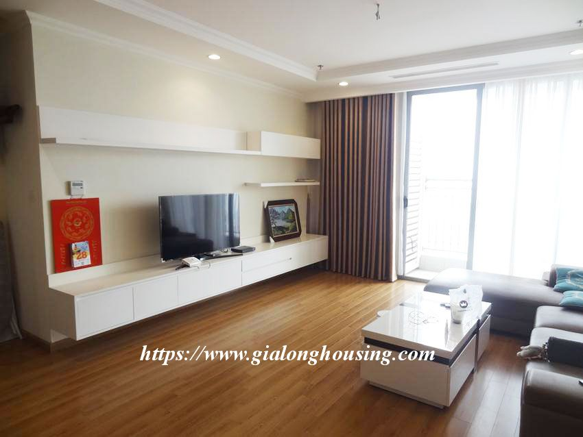 3 bedroom bed apartment in Vinhomes, near Lotte for rent 2