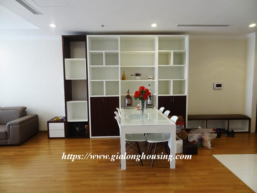3 bedroom bed apartment in Vinhomes, near Lotte for rent 20