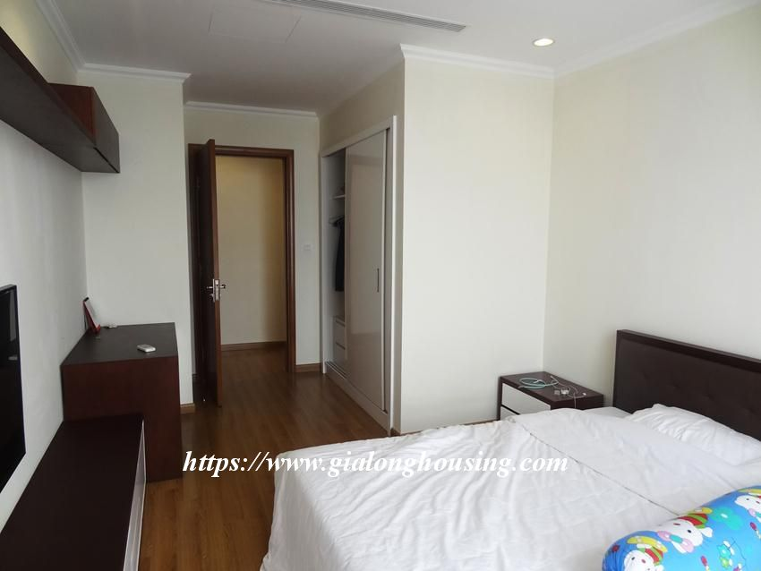 3 bedroom bed apartment in Vinhomes, near Lotte for rent 5
