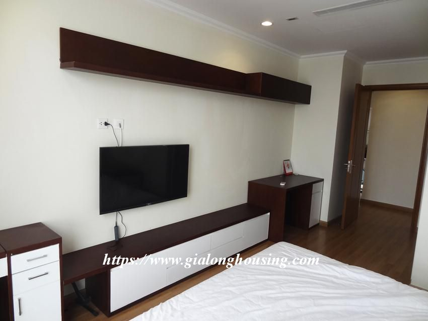 3 bedroom bed apartment in Vinhomes, near Lotte for rent 6