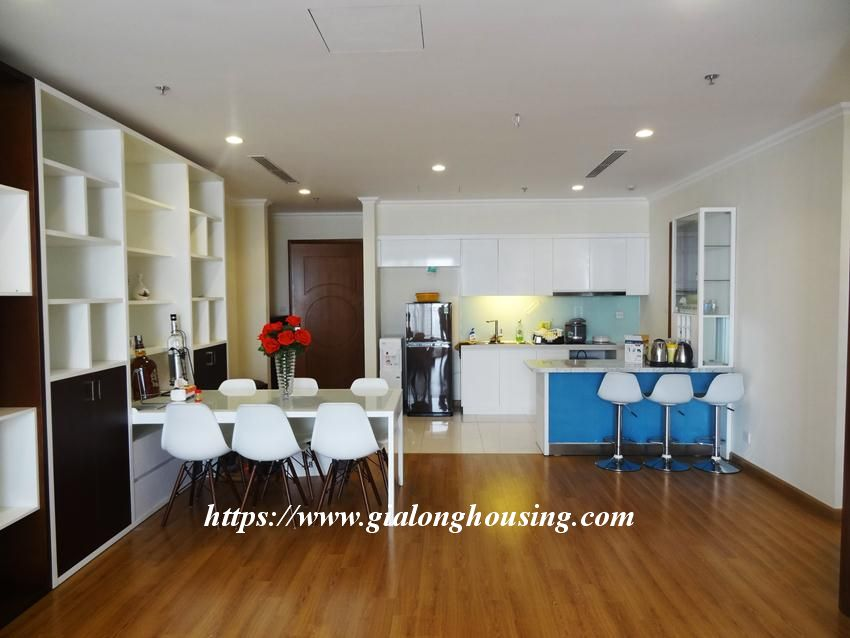 3 bedroom bed apartment in Vinhomes, near Lotte for rent 1