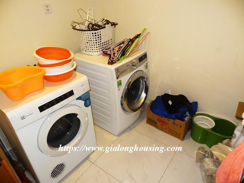 3 bedroom bed apartment in Vinhomes, near Lotte for rent 3