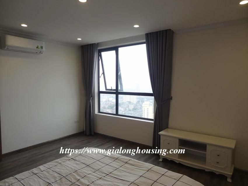 Brand new 3 bedroom apartment in Hongkong tower 19