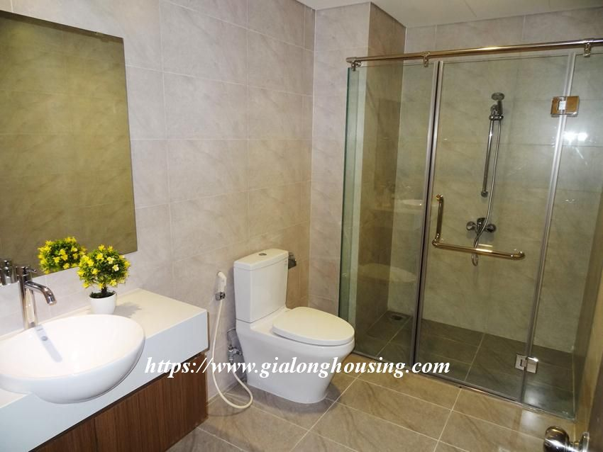 Brand new 3 bedroom apartment in Hongkong tower 2