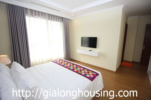 Vinhome Nguyen Chi Thanh apartment with 3br rent out on best price 10