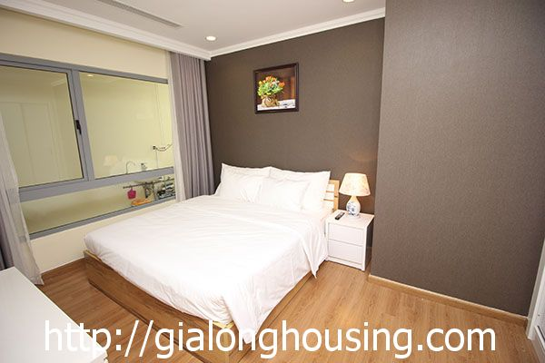 Vinhome Nguyen Chi Thanh apartment with 3br rent out on best price 11