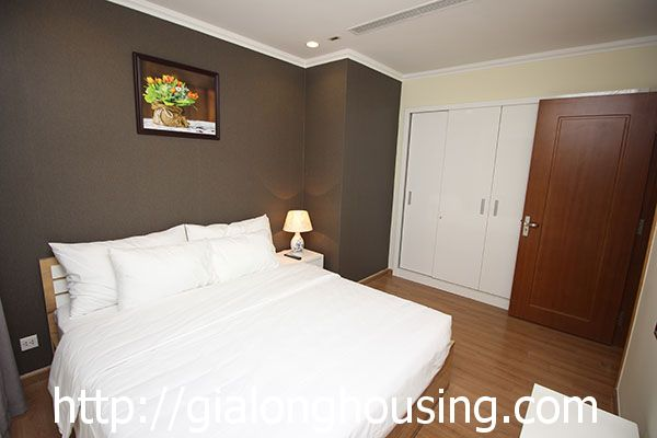 Vinhome Nguyen Chi Thanh apartment with 3br rent out on best price 14