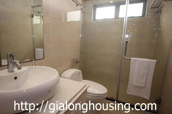 Vinhome Nguyen Chi Thanh apartment with 3br rent out on best price 15