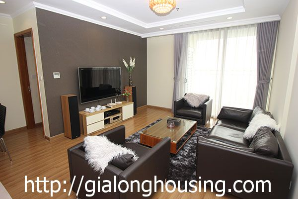Vinhome Nguyen Chi Thanh apartment with 3br rent out on best price 2