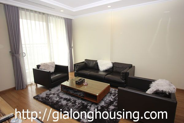 Vinhome Nguyen Chi Thanh apartment with 3br rent out on best price 4