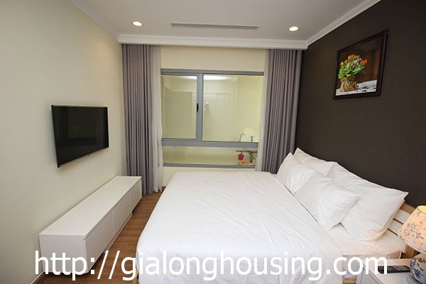 Vinhome Nguyen Chi Thanh apartment with 3br rent out on best price 7
