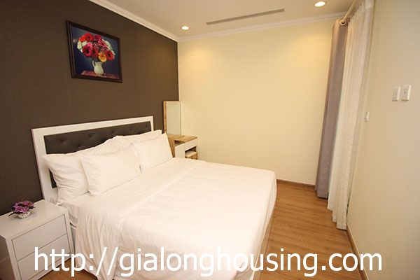 Vinhome Nguyen Chi Thanh apartment with 3br rent out on best price 9