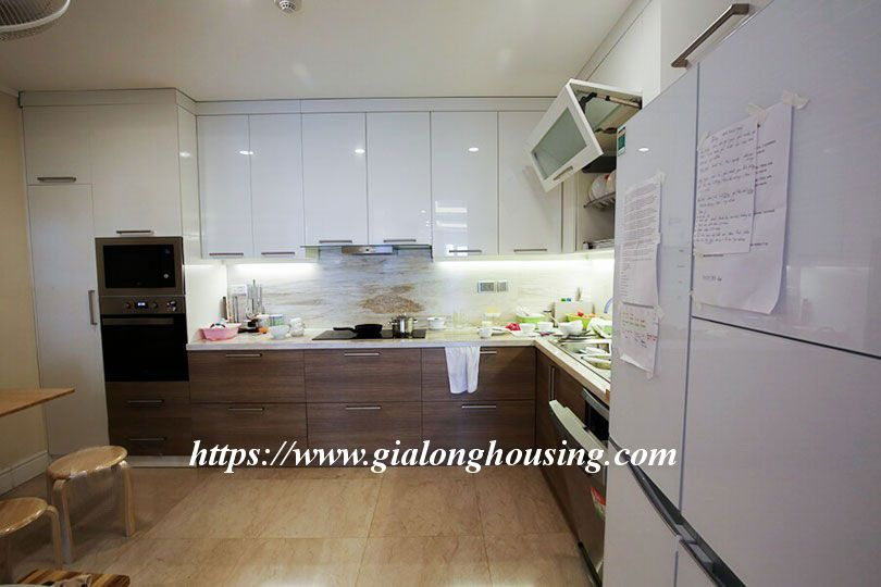Luxurious golf court view apartment in L building, Ciputra 4
