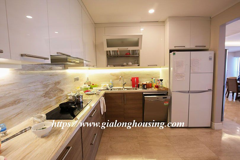 Luxurious golf court view apartment in L building, Ciputra 5