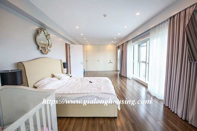 Luxurious golf court view apartment in L building, Ciputra 7