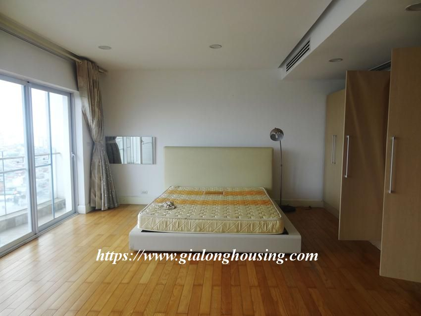3 bedroom fully furnished apartment in Golden for rent 11