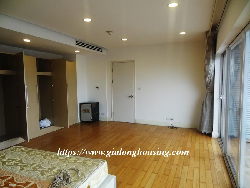 3 bedroom fully furnished apartment in Golden for rent 15