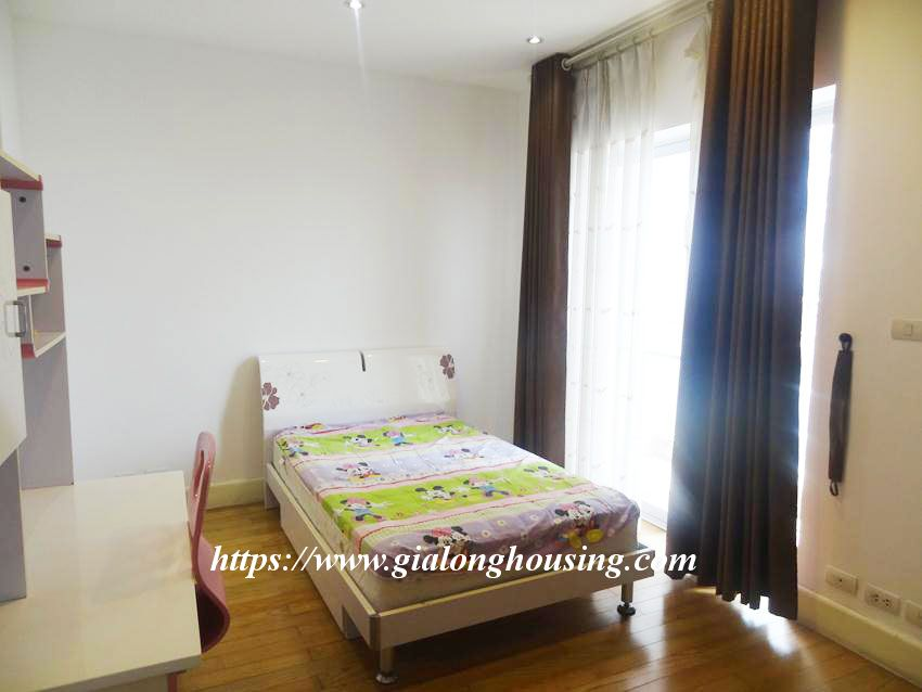 3 bedroom fully furnished apartment in Golden for rent 20