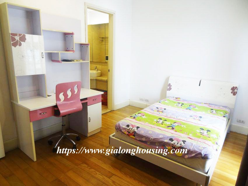 3 bedroom fully furnished apartment in Golden for rent 1