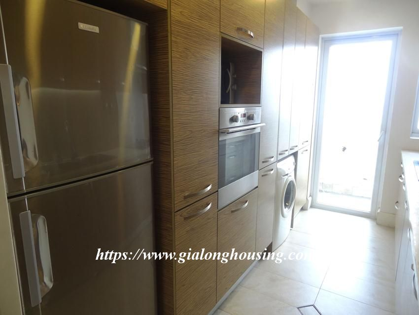 3 bedroom fully furnished apartment in Golden for rent 17