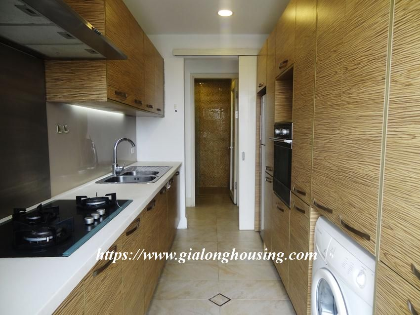 3 bedroom fully furnished apartment in Golden for rent 18