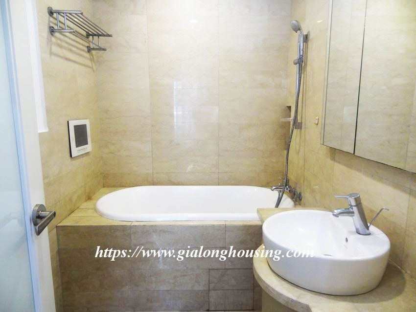 3 bedroom fully furnished apartment in Golden for rent 3