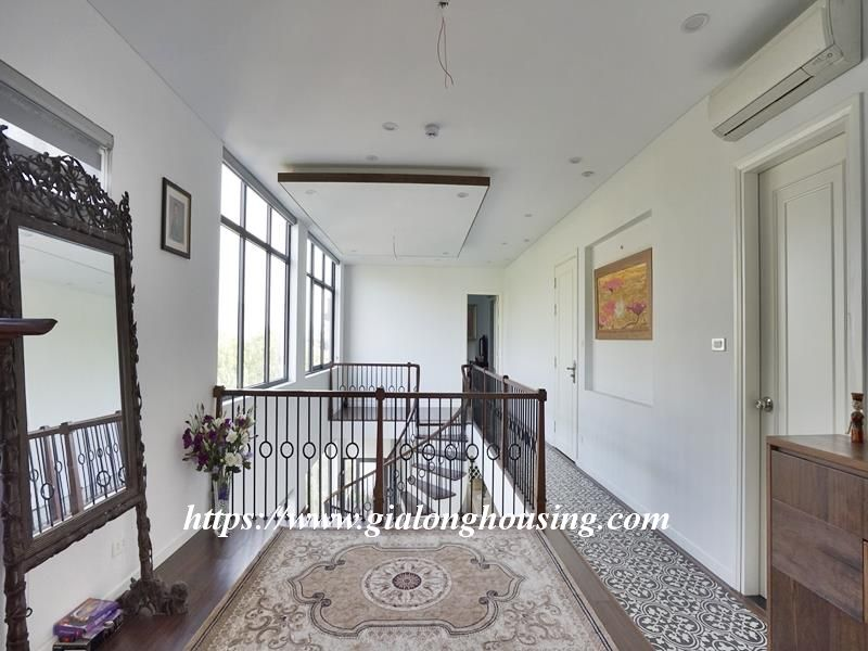 Bright duplex serviced apartment in Vong Thi for rent 14