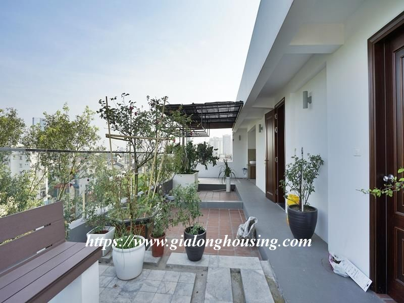 Bright duplex serviced apartment in Vong Thi for rent 2