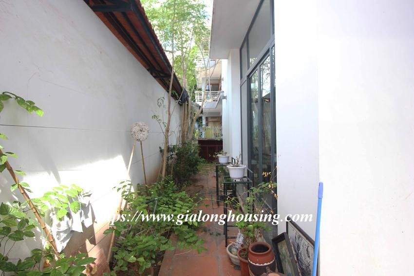 Beautiful garden house in Thuy Khue for rent 6