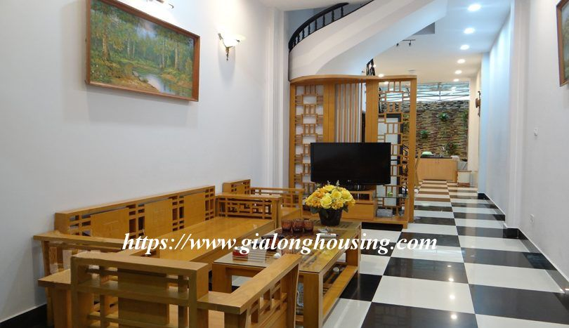 Four bedroom nice house in Dao Tan for rent 1