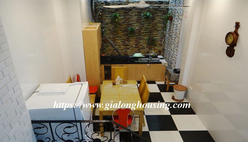 Four bedroom nice house in Dao Tan for rent 2