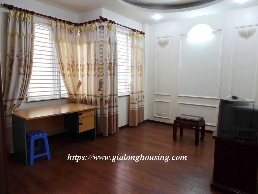 House in Doi Can for rent with 3 bedrooms 9