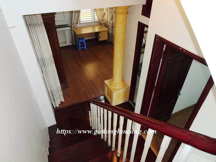 House in Doi Can for rent with 3 bedrooms 12