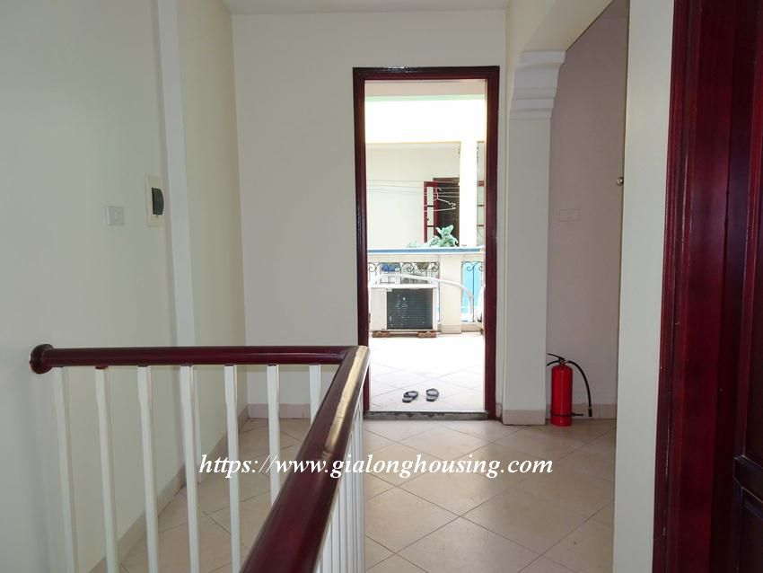 House in Doi Can for rent with 3 bedrooms 2