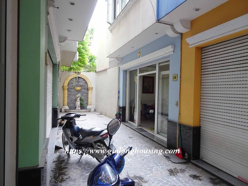 House in Doi Can for rent with 3 bedrooms 4