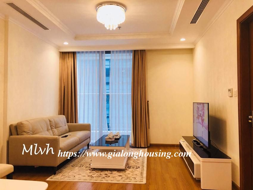 2 bedroom furnished apartment in Vinhomes, Nguyen Chi Thanh street 1